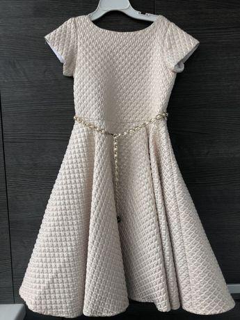 Нарядное платье на девочку 6,7 лет
