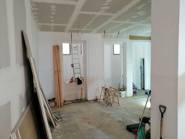 Pintores e aplicadores de tetos em pladur (obras)