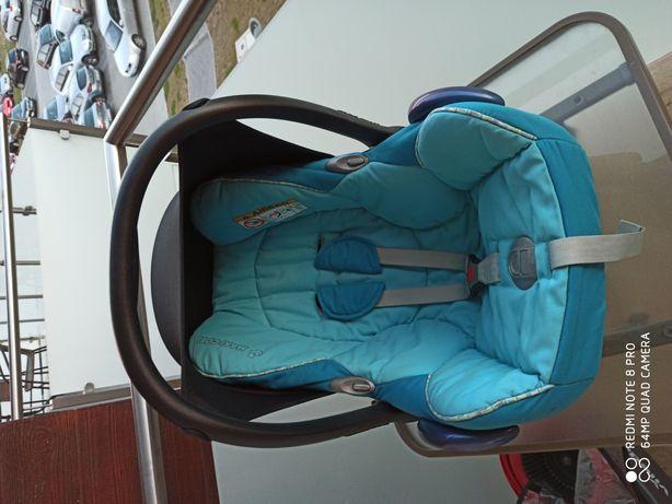 Fotelik nosidełko Maxi Cosi Cabriofix z baza FamilyFix Family Fix