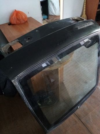 Продам крышку багажника ваз2112