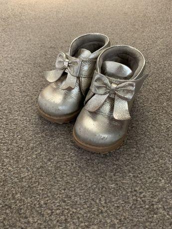 Ботинки осінньо-весняні