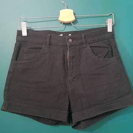 Czarne shorty z wysokim stanem, rozmiar M