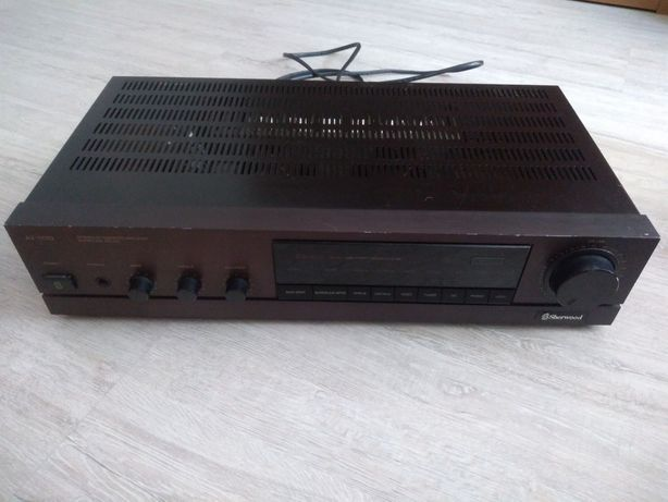 Wzmacniacz Sherwood, model nr A1- 1110, stereo integrated amplifier.