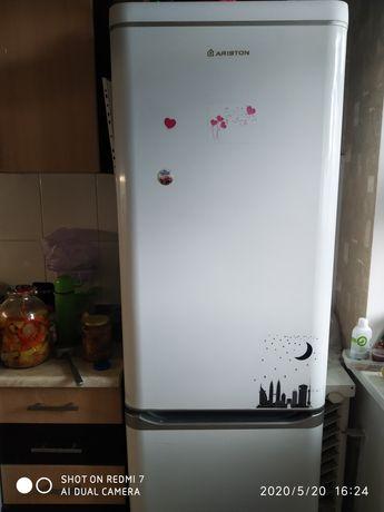 Холодильник Aristston 337 литров