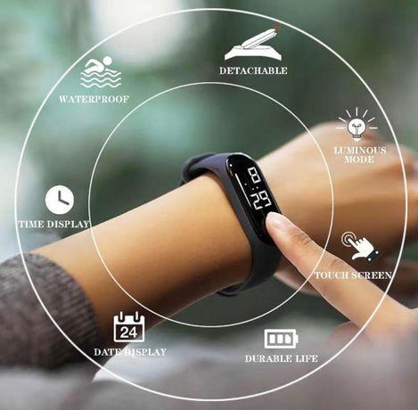 Xiaomi светодиодные часы.