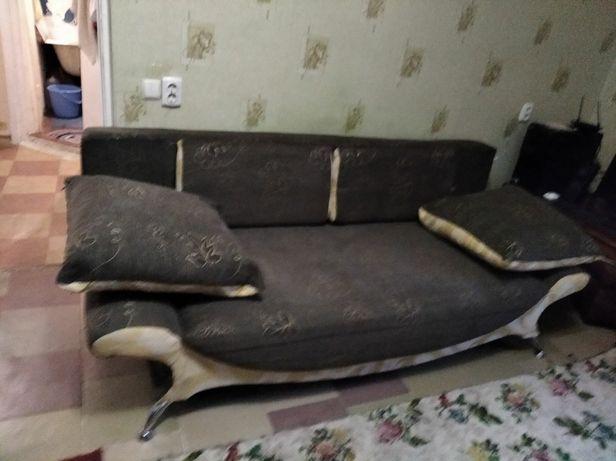 Продам диван, срочно