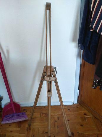 Cavalete de madeira