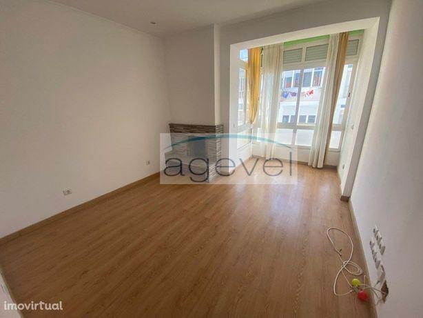 Apartamento T2 Queijas