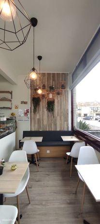 Café totalmente remodelado e pronto a funcionar sem trespasse.