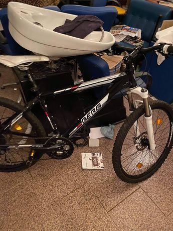 Bicicleta Berg com travões a disco