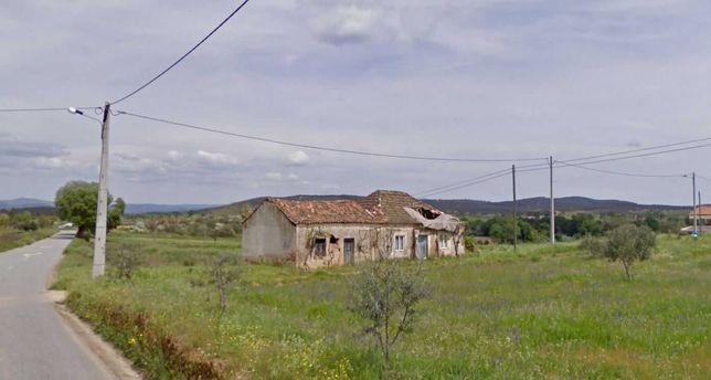 Terreno com habitação em Ponte, Capinha