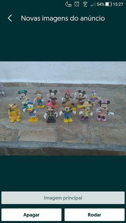 Conjunto com 12 figuras da Disney