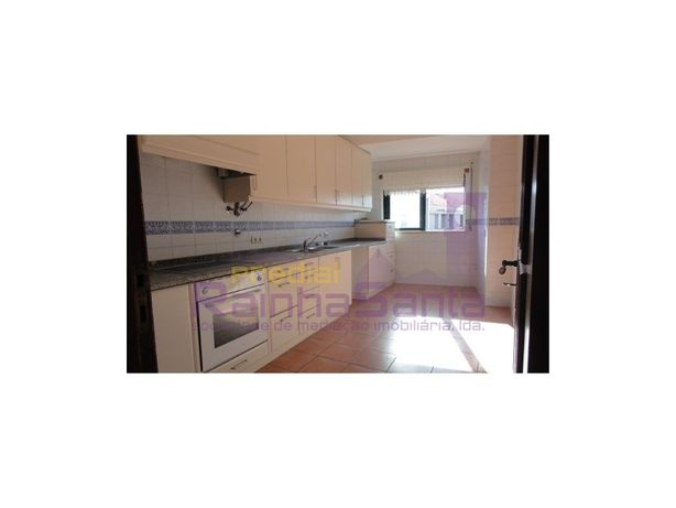 Apartamento T2+2 c/ garagem - Cantanhede