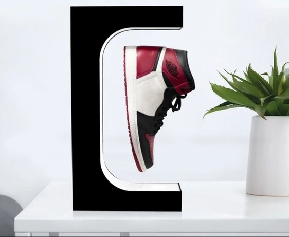 Expositor calçado levitação magnética