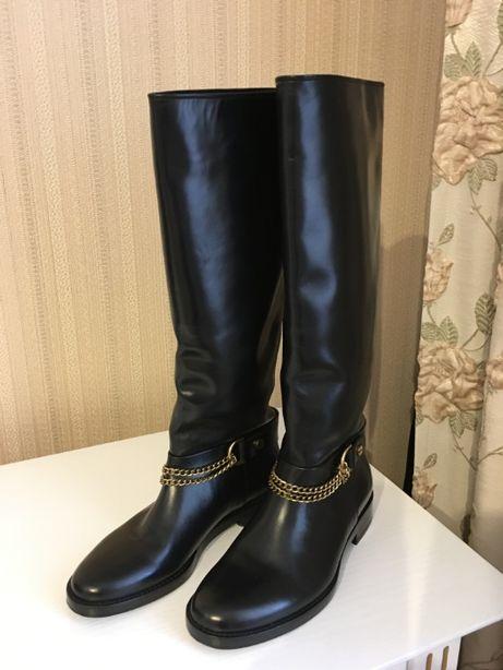 Продам новые кожаные сапоги французской торговой марки Lanvin