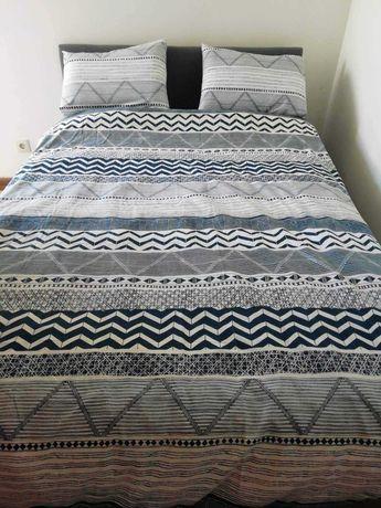 Vendo cama e colchão do ikea semi- usado
