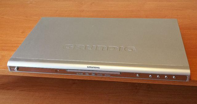 Odtwarzacz DVD firmy GRUNDIG model GDP 2550