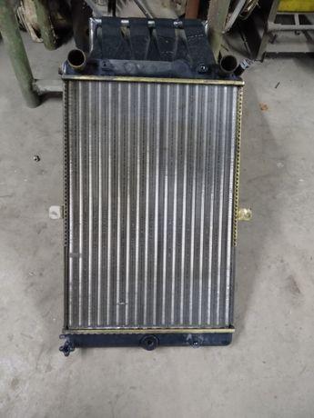 Радиатор охлаждения ВАЗ 2108-2109 в хорошем состоянии.