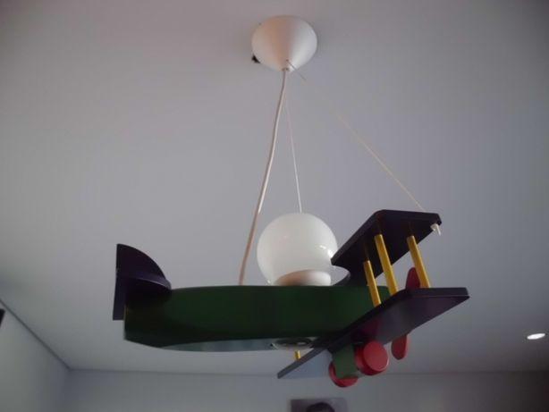 Candeeiro avião de teto