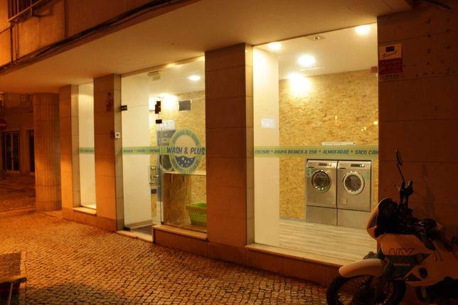 Vende-se lavandaria self-service