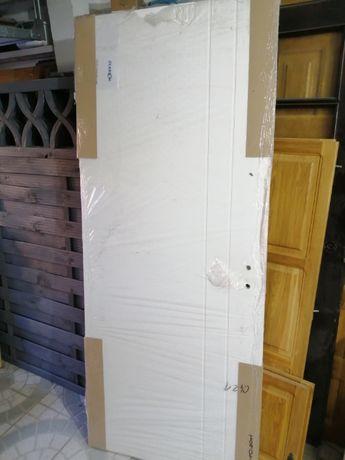 Drzwi rozmiar 80