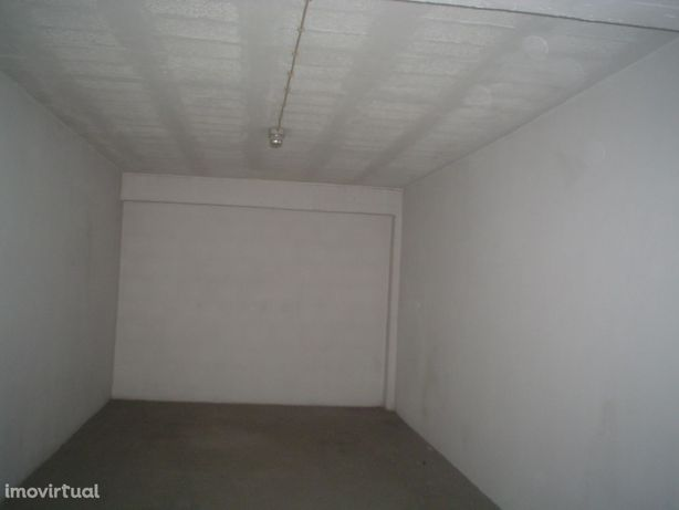 Garagem Fechada Centro da Póvoa de Varzim (Kerocasa)