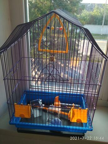 Срочно Клетка для  попугая.  Состояние новой