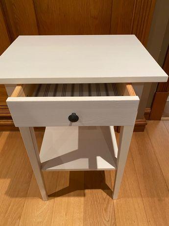 Mesa cabeceira- como Nova