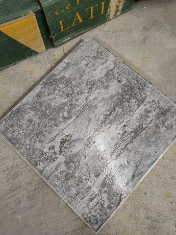 Azulejo Chão WC Cerâmica Latina Cinza