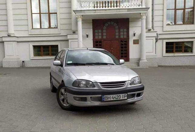 Продам автомобиль Toyota Avensis 1999 года