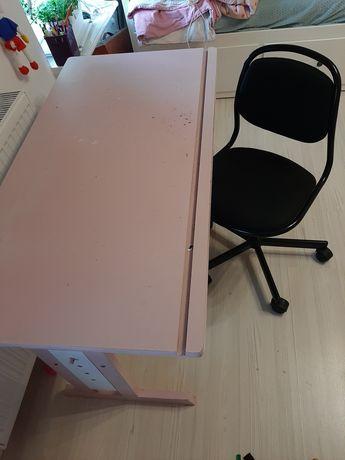 Biurko, kontenerek, krzesło ikea