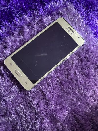 Samsung G531F- telemóvel para peças