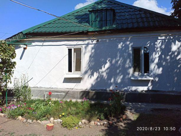 Продам дом, г. Снежное, р-н ЦГБ, 5000 долл