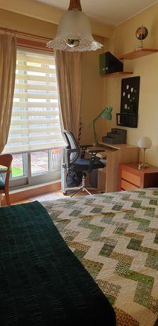 Quarto suite de luxo com WC privativo e terraço. Despesas incluídas