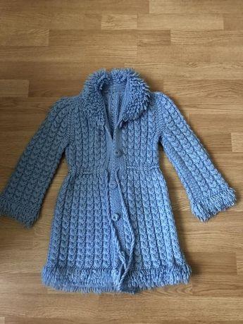 Вязаное пальтишко на 5-6 лет в идеале