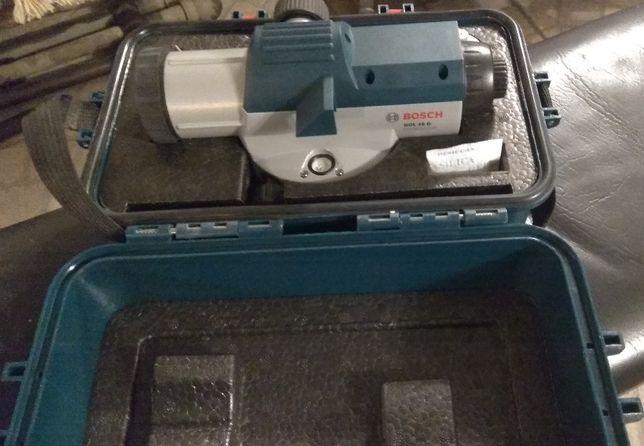 Niwelator optyczny BOSCH GOL 26 D ze statywem i łatą