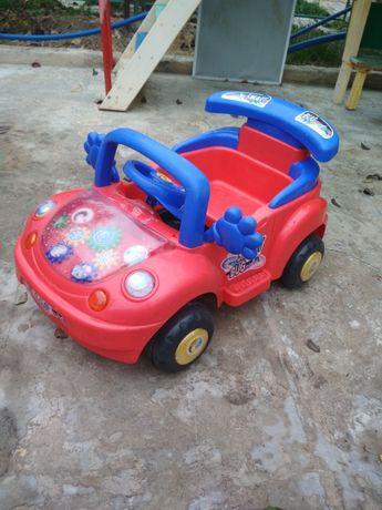 Детская машинка,цена в рублях 500