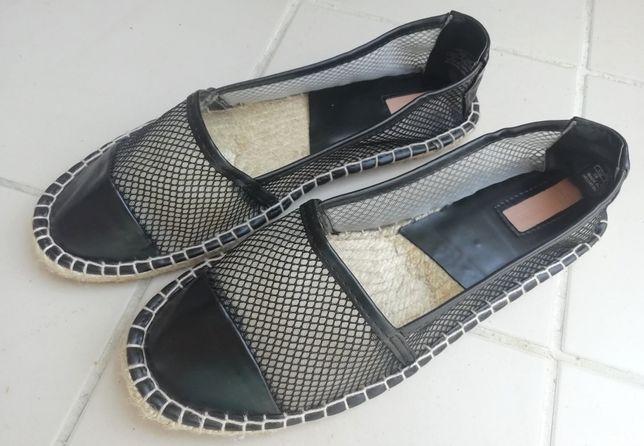 Sapato / Alpercatas pretas