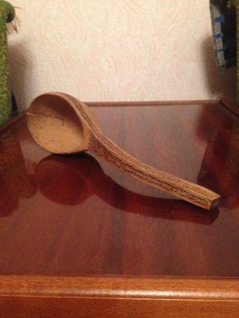 старинная деревянная ложка (резная)
