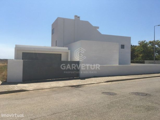 Moradia nova T4+1 com piscina, Tavira, Algarve