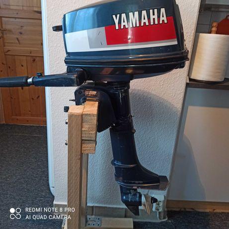 Silnik zaburtowy Yamaha 4 KM dwusów.