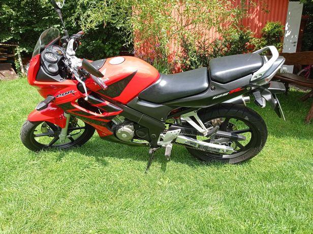 Honda cbr 125 r cbr125r cbr 125r kat B