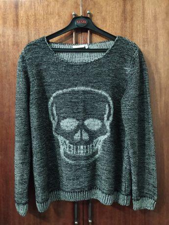 Продам свитера, цена за один