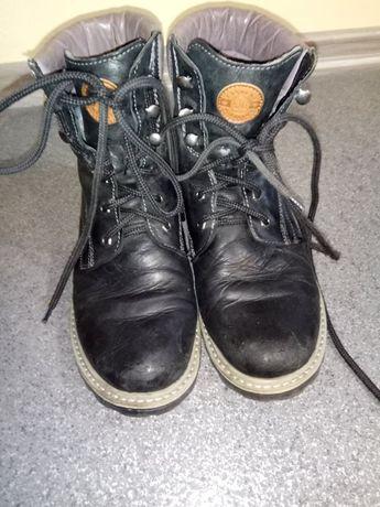 Sprzedam buty zimowe damskie rozm.39 ocieplane Lasocki skóra