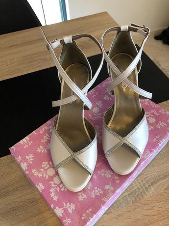 Sandálias de noiva