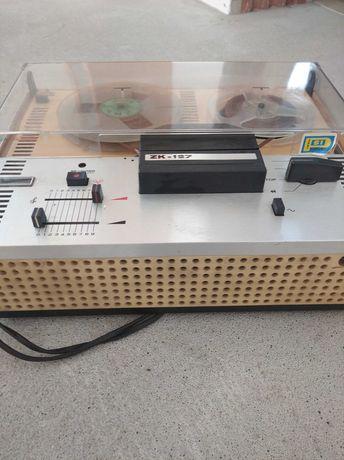 Magnetofon ZK-127