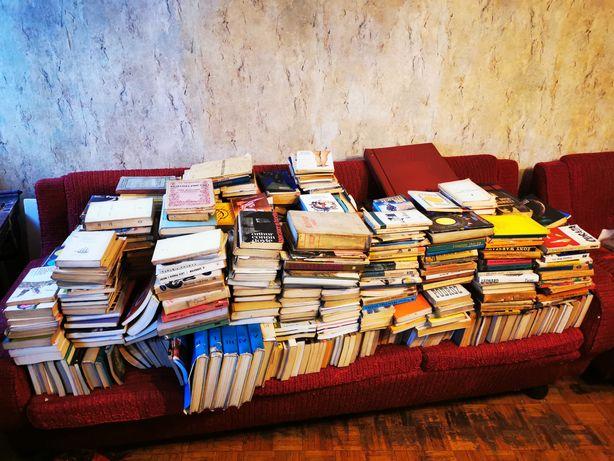 Książki, różnorodna tematyka, setki książek