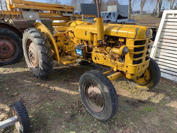 Traktor Volvo bm 425