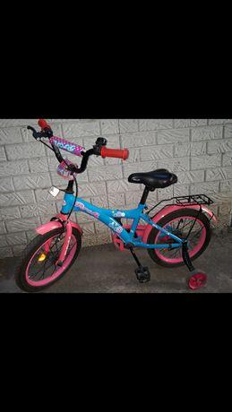 Продам велосипед для девочки в хорошем состоянии.Туфли синие 31 размер