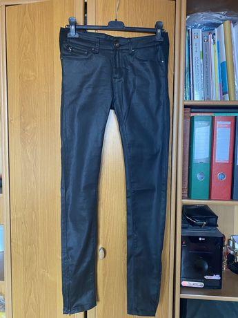 Lekko blyszczace spodnie ala woskowane
